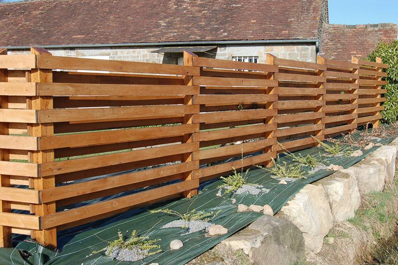 Realisations amenagement interieur pr s de st malo en for Fabriquer une barriere en bois de jardin